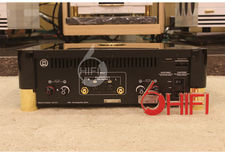 MBL N31 CD机,MBL N11 前级,MBL N21 立体声后级,MBL 111F 落地箱
